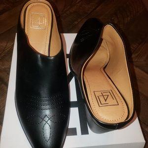 Black Mule bootie boots sz 11m